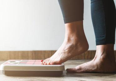 Übergewicht und moderate Mengen Alkohol fördern Psoriasis-Arthritis